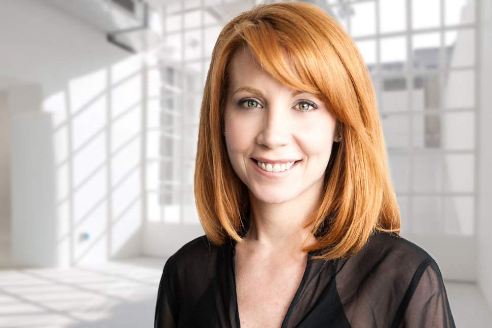 red haired female for LinkedIn headhsots for Toronto professional headshots 6397