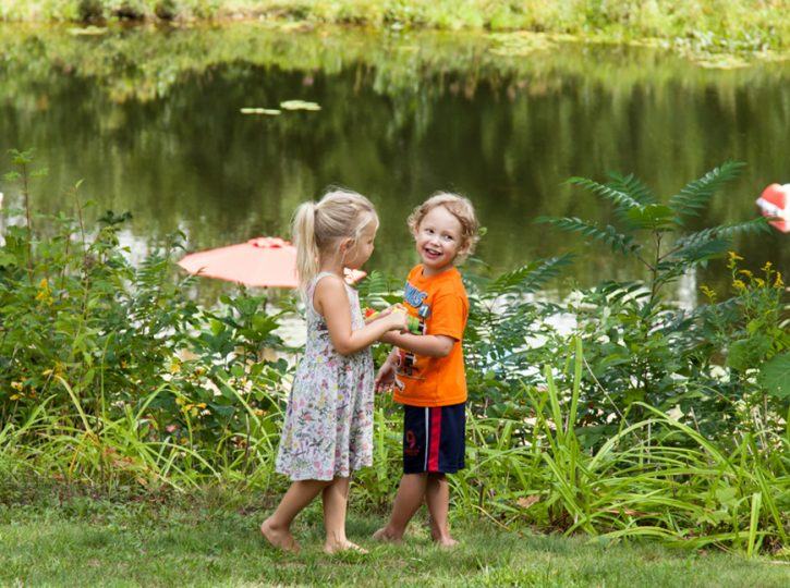 Lily and Connor enjoy the summer family photographer toronto 6976