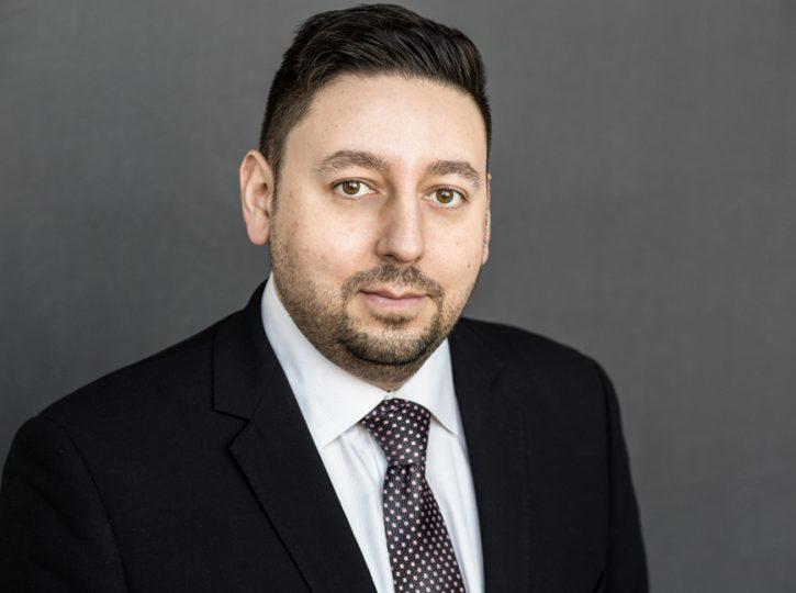 business man, black suit for Toronto corporate headshots 1051