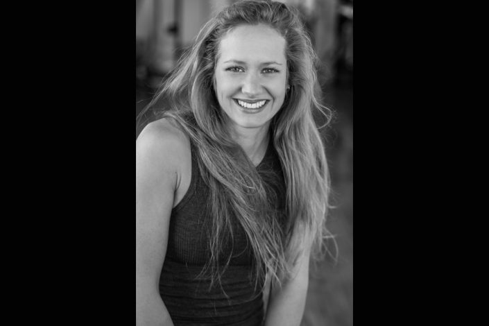 Emma smiling for portrait photographer toronto 4766