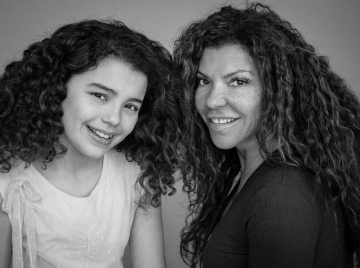 mom and daughter for family photographer Toronto 4196