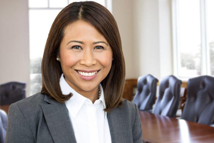 confident Toronto business woman portrait for professional headshots 0206