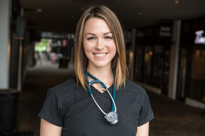 vet assistant Animal hospital for professional branding Toronto 0O7C8537