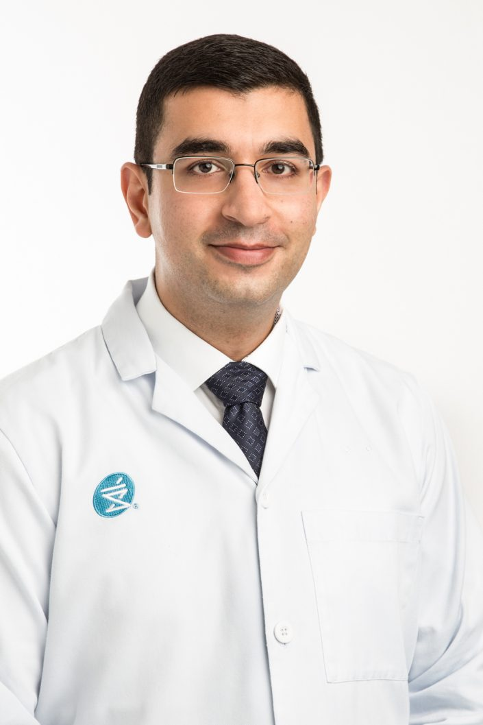 Ali, pharmacist for Shoppers Drug Mart for professional headshots Toronto 0O7C0670