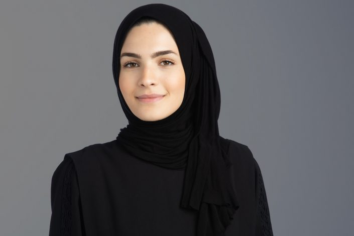 business woman in hijab for corporate headshots toronto 0O7C8323