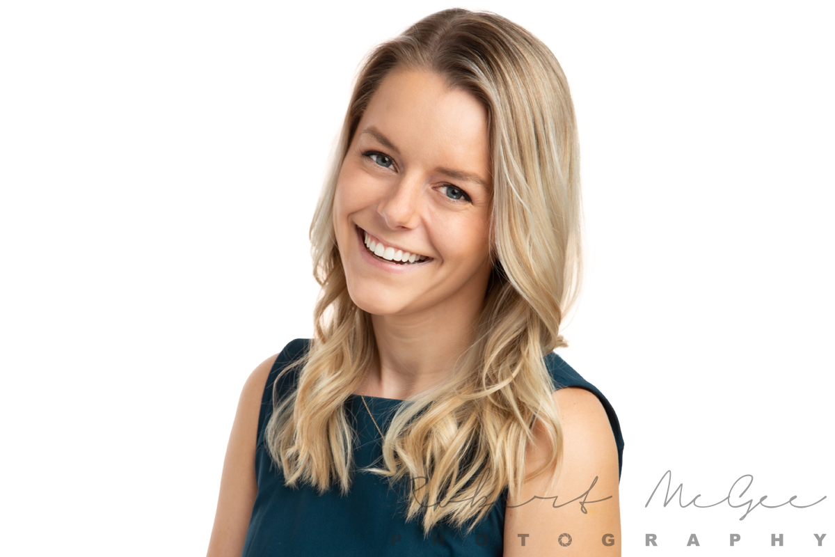 Madalena with blonde hair great smile for professional headshots 0O7C1012-2